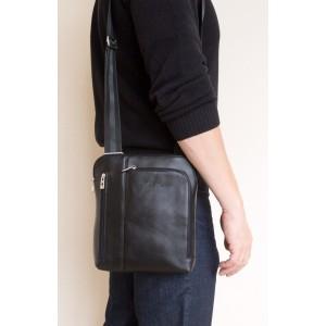 Кожаная мужская сумка через плечо Casella black (арт. 5020-01)