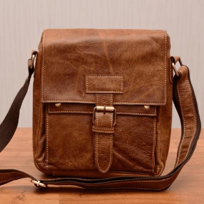 Маленькие мужские сумки через плечо для документов