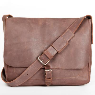 Мужские кожаные деловые сумки через плечо